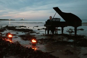 Piano virtuoso Jonathan Middleton on Whitley Bay beach at the 2012 Whitley Bay Film Festival - ElectricPics Photography